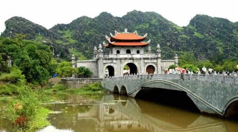 Ninh Bình bắn pháo hoa kỷ niệm 1050 năm nhà nước Đại Cồ Việt